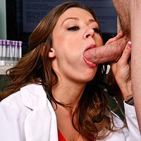 La dottoressa porca si fotte hard con il paziente